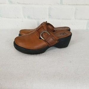 Women's Leather Bare Back Crocs Size 8